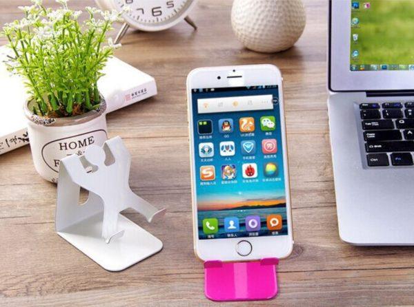 Cep Telefonu ve Tablet Pc Sarj Standı İnsan Şekilli