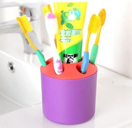 Diş Fırçası , Macunu Kutusu ve Kalemlik 1